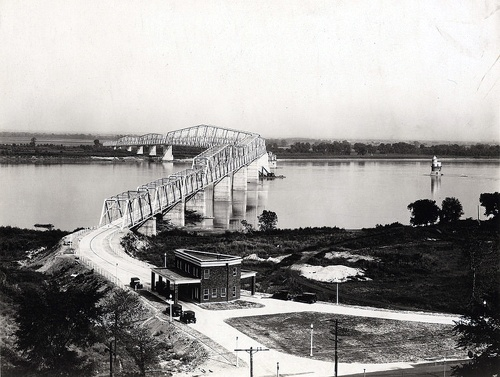 Chain of Rocks Bridge, 1929