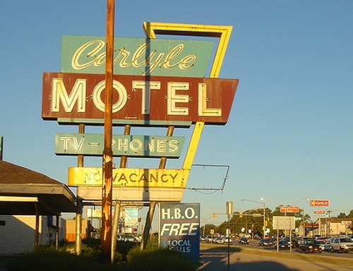 Carlyle Motel sign in 2007