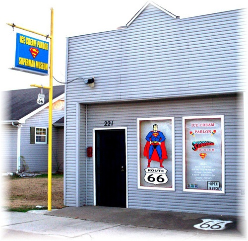 Supertam on 66 ice-cream parlor in Carterville closes, is put up for sale