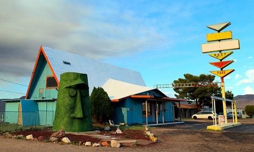 Route 66 visitors center opening at Giganticus Headicus site