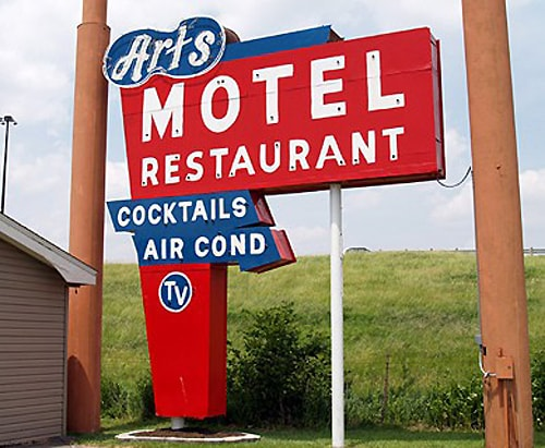 Art's Motel, Farmersville, IL