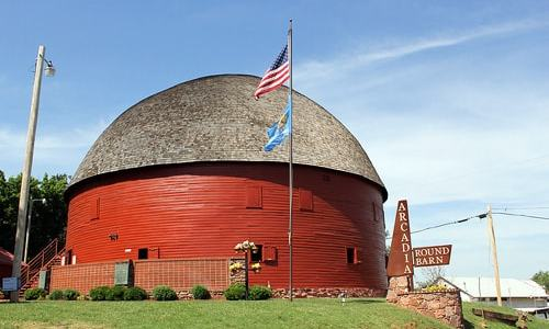 Round Barn to celebrate 25th anniversary of its reopening