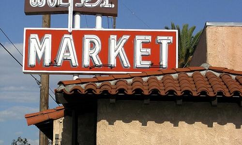 Grocery at Wolfe's Market in Claremont closes after 100 years