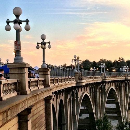 Fencing extended on Colorado Street Bridge in Pasadena to prevent suicides