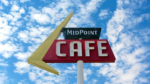 Fine-art photographer lends a hand to struggling Midpoint Cafe