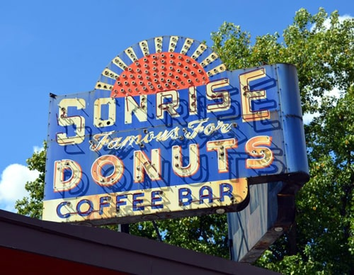 Sonrise Donuts signs in Springfield come down, will be restored