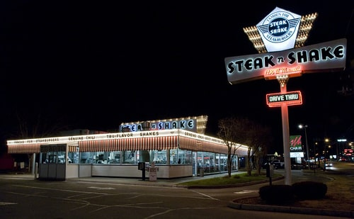 Owner of Steak 'n Shake restaurants in Springfield, Missouri, sells them to a franchisee
