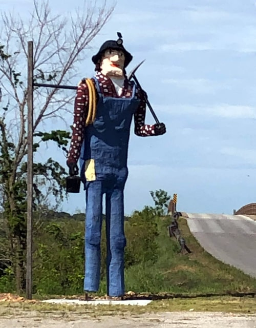 New Muffler Man named Frecs erected on old Route 66 in Galena