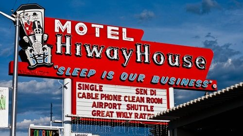 Explosion damages Hiway House Motel in Albuquerque; 1 injured