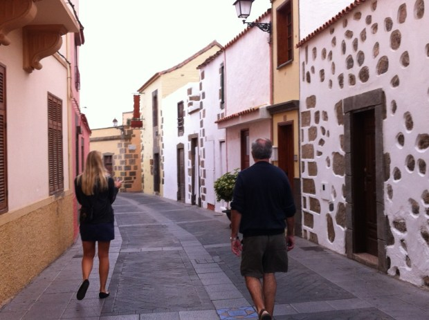 Walking in Telde, cave house trip from Las Palmas