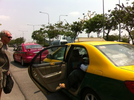 Taking a taxi from Bangkok to Ko Samet, Thailand