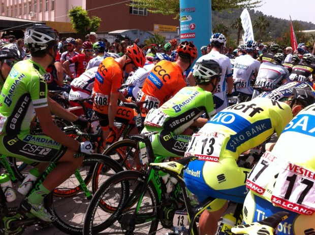 Cyclists starting from Kemer
