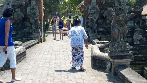 Taman Ayun temple and statues, Bali