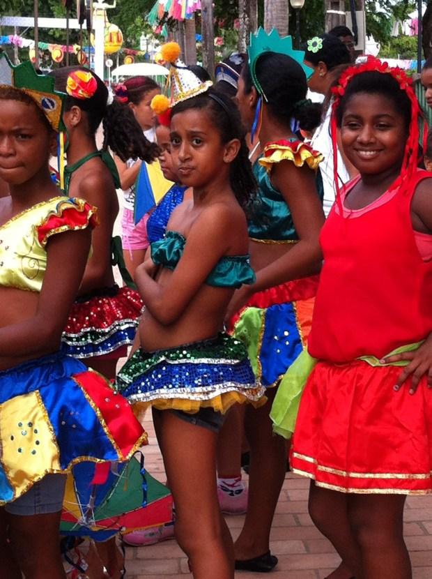 Olinda Carnival and schoolgirls