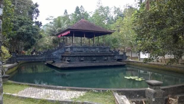 The Pura Tirta Empul pond and entrance