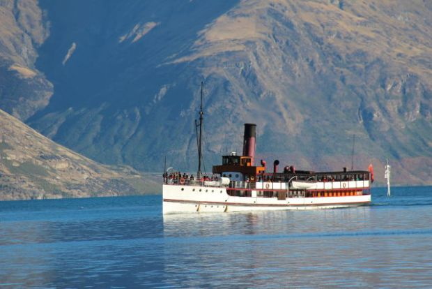 Lake Wakatipu cruise