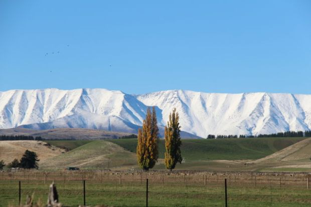 White mountains from Lindis Valley