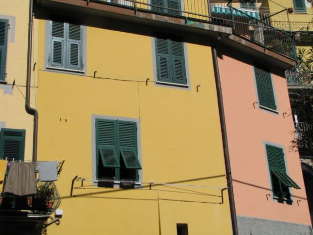 Cinque Terre Riomaggiore Italian houses