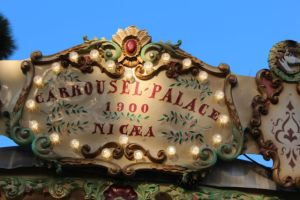 Nice in one day, an old carousel