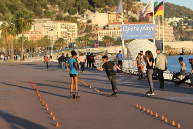 Nice in one day, Promenade des Anglais roller skaters