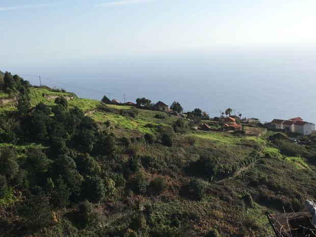 Western Madeira hills