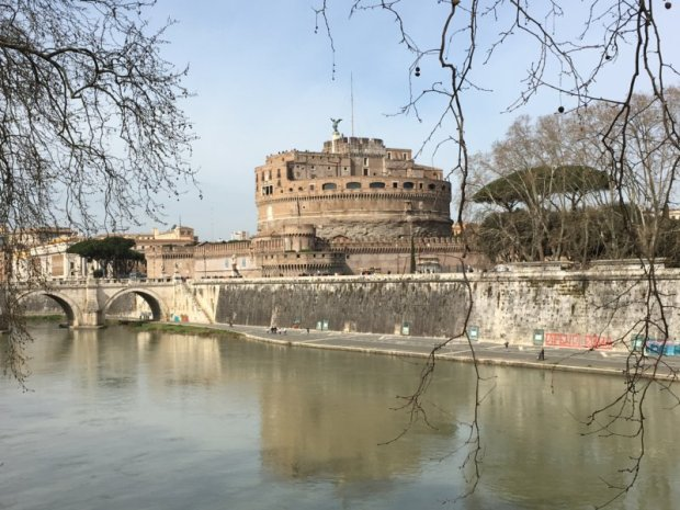 Top 10 Sights in Rome: the Tiber and Castel Sant' Angelo