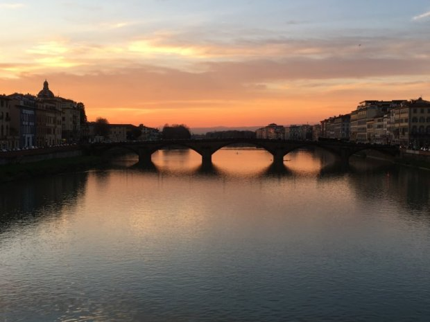 Ponte della Carraia at sunset, Florence in one day