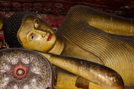 Dambulla Cave Temple reclining Buddha