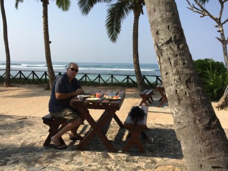 Insight Resort beach breakfast