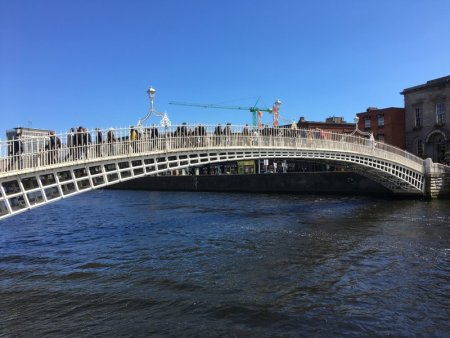 Self-guided Dublin walking tour, Ha'penny Bridge over Liffey