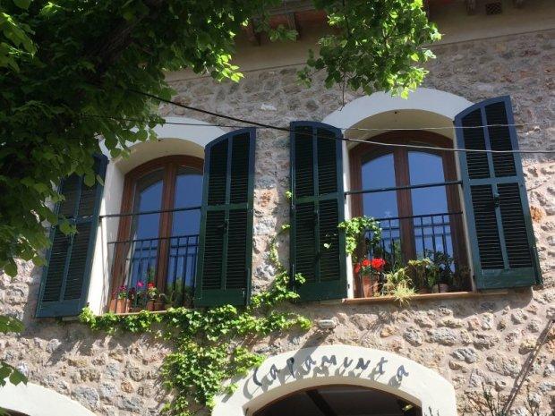 Dry-stone building windows, Valldemossa