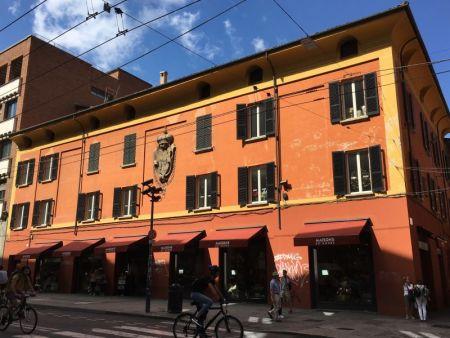 Bologna centro storico townhouse