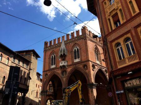Bologna Piazza della Mercancia, Via Santo Stefano