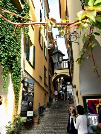 Bellaggio alley