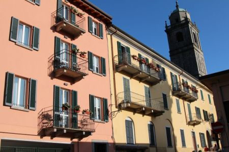 Bellaggio pastel houses, Lake Como