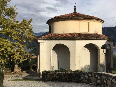 Monasterio Ossuccio walk chapel, Lake Como