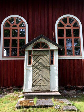 Ostrobothnia road trip: Church door of Kristinestad
