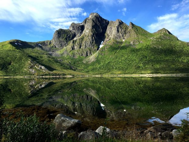 Motorhome drive through Lofoten: mountains