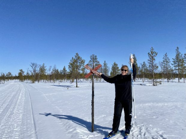 Arctic Lapland spring: back country skiing