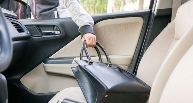 Furto di borse dalle auto