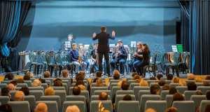 La Junior Band del civico corpo bandistico L. Pezzana nella rinnovata sala civica di Rovato