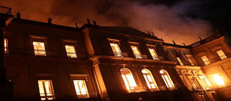«Προαναγγελθέν έγκλημα» η φωτιά στο Μουσείο του Ρίο