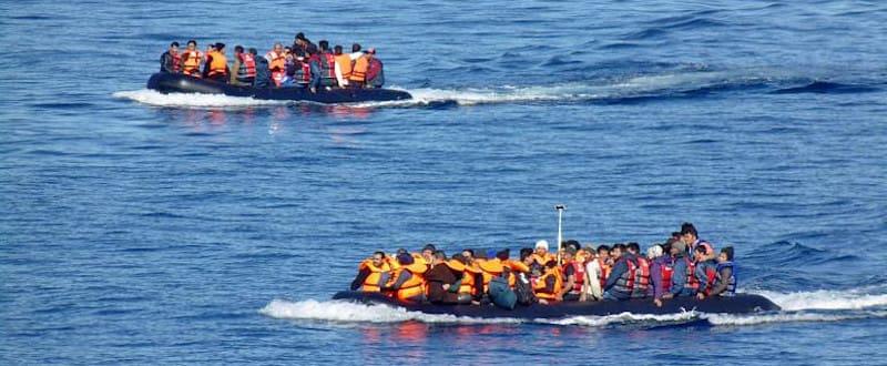 Μάστερ στις πλάτες των προσφύγων από τα Πανεπιστήμια Αθήνας και Αιγαίου