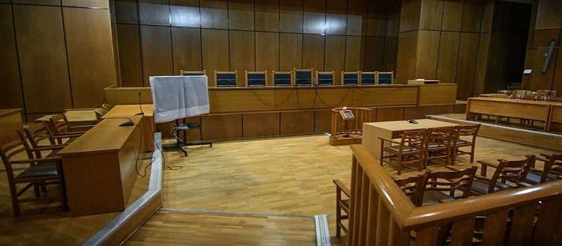 Απολογούνται οι 18 χρυσαυγίτες για τη δολοφονία Φύσσα