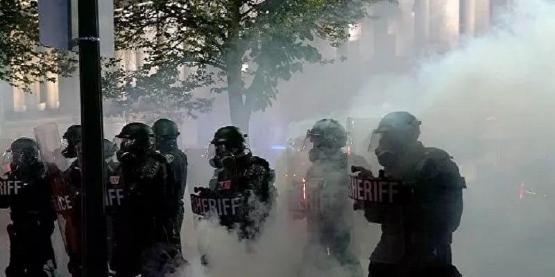 Δίχως τέλος η αστυνομική βαρβαρότητα στις ΗΠΑ - Συγκλονιστικό βίντεο