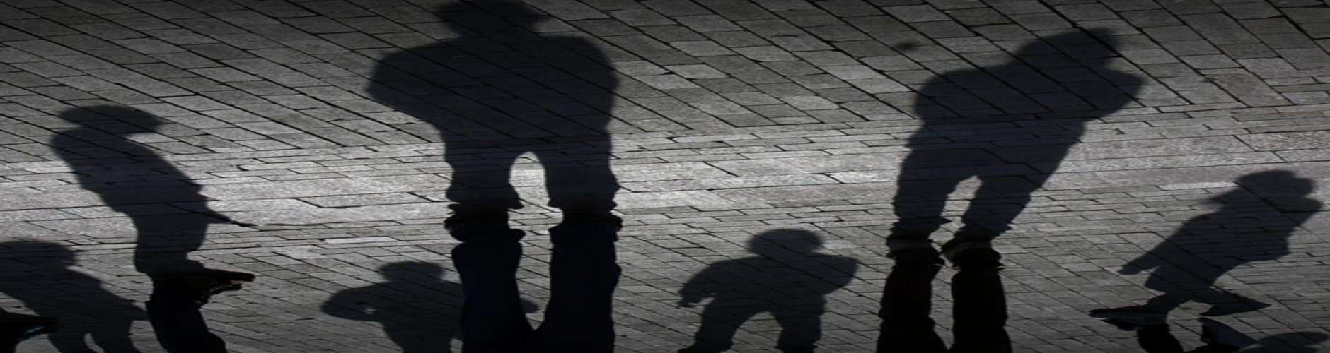 Εργατοπατέρες μπέρδεψαν τη σκιά τους με το μπόι τους