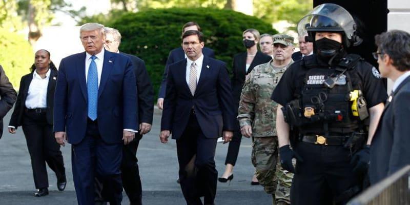 ΗΠΑ: Και ο στρατός στην ενδοαστική κόντρα Τραμπ – Δημοκρατικών