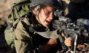 Ισραηλινή αστυνομικός εκτελεί πισώπλατα Παλαιστίνιο