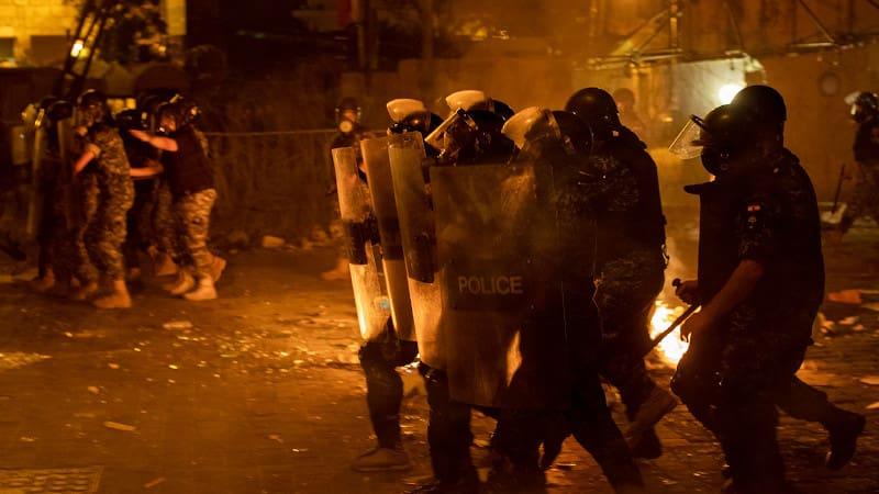 Λαϊκή αγανάκτηση μετά το αρχικό σοκ από τη γιγάντια έκρηξη