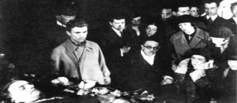 Μαγιακόφσκι: «Μην κατηγορήσετε κανέναν για το θάνατό μου»